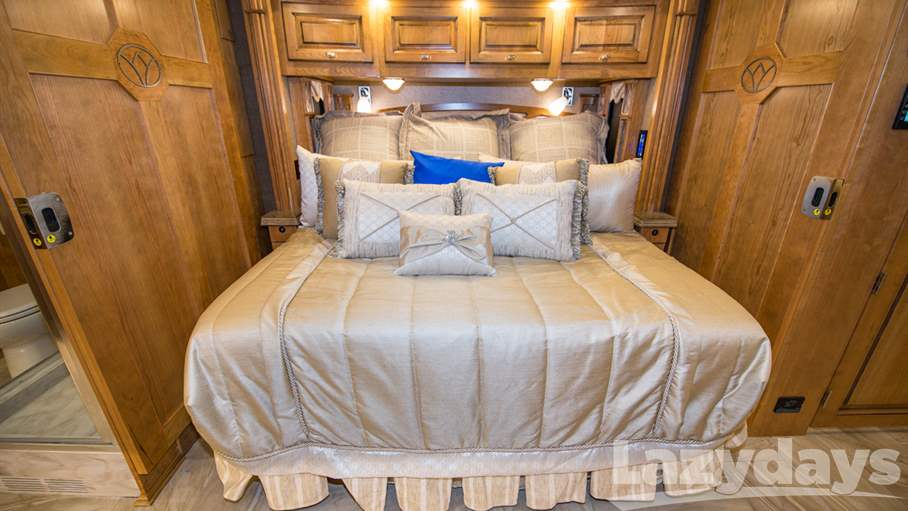 2017 Tiffin Motorhomes Allegro Bus 45OPP