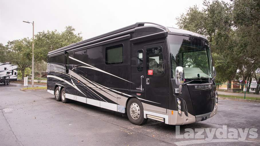 2018 Winnebago Grand Tour RV for sale in Tampa.