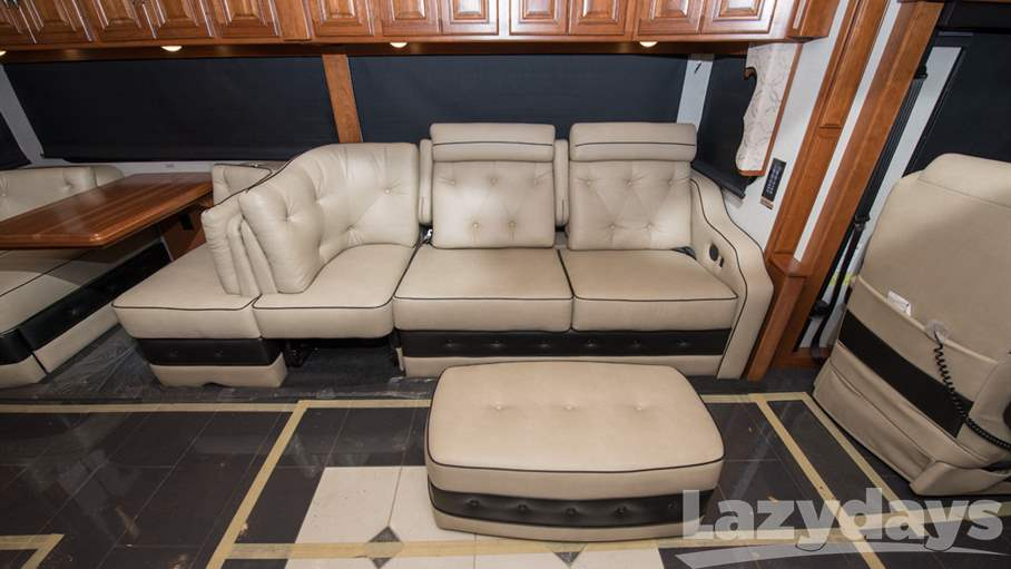 2018 Winnebago Grand Tour RV for sale in Tampa. Stock#21018408 Image number #1
