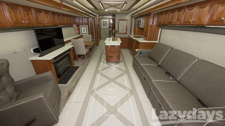 2018 Winnebago Grand Tour RV for sale in Tampa. Stock#21018242 Image number #1