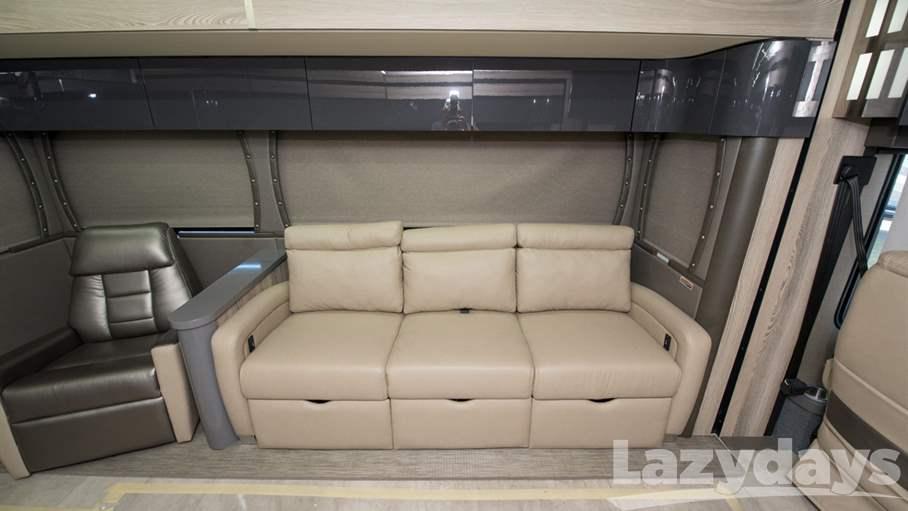 2018 Winnebago Horizon RV for sale in Tampa. Stock#21018236 Image number #1