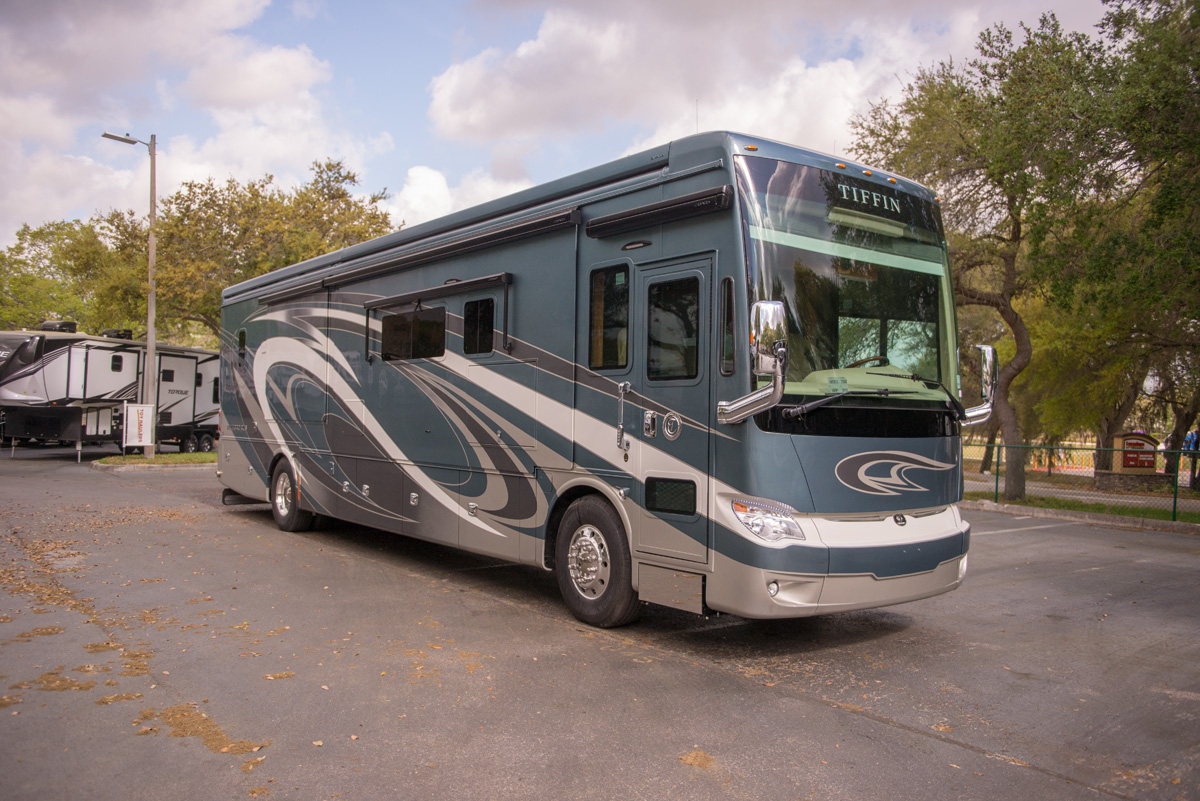 Tiffin Motorhomes 2018 Allegro Bus 21022799