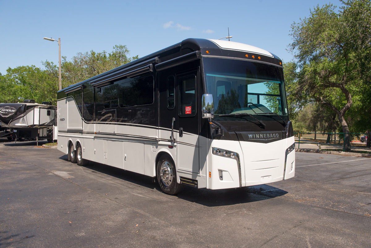 Winnebago 2018 Horizon 21018240