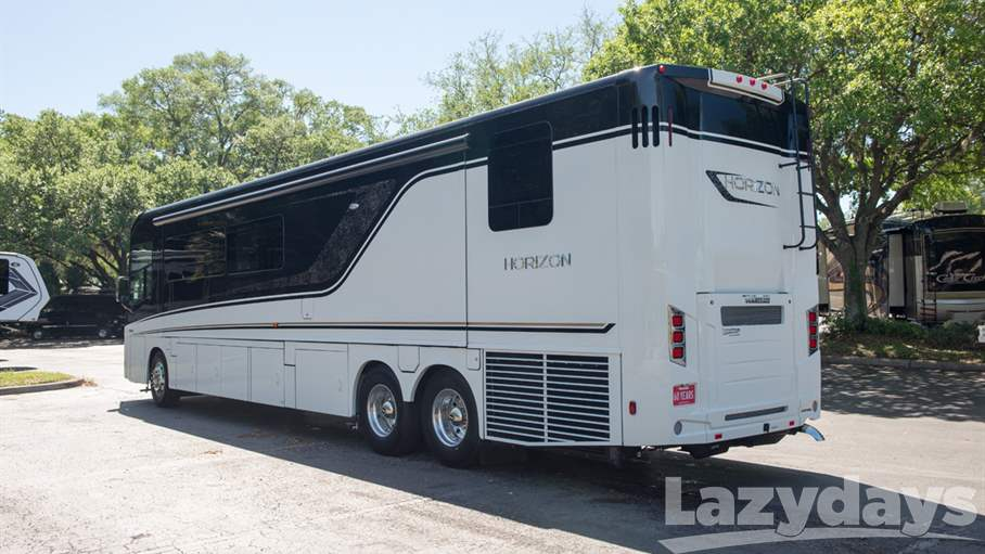 2018 Winnebago Horizon RV for sale in Tampa. Stock#21018240 Image number #1