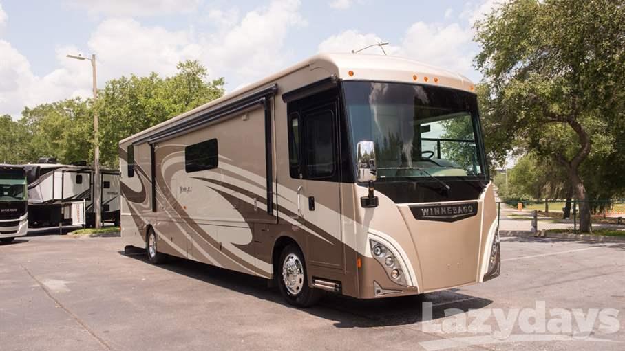2016 Winnebago Journey RV for sale in Tampa.