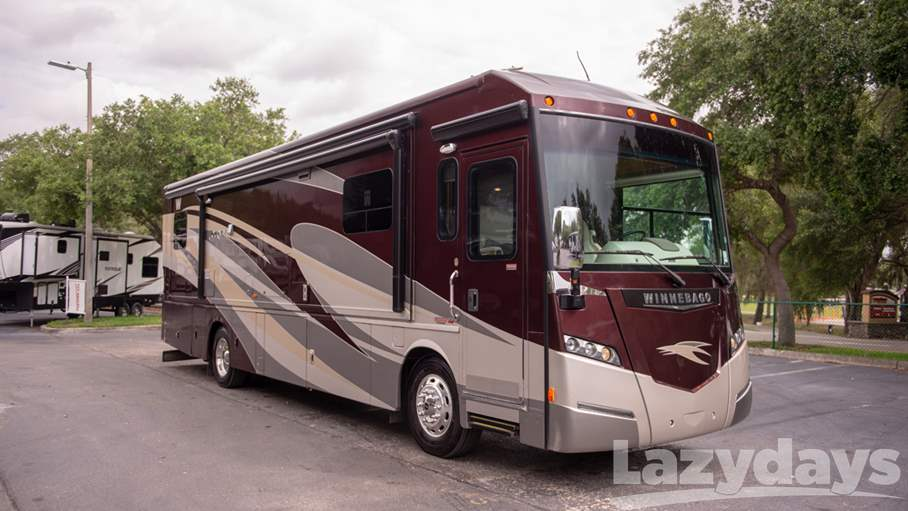 2015 Winnebago Journey RV for sale in Tampa.