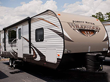 If you want an incredibly affordable price, take a look at the 2016 Forest River Wildwood travel trailers, fifth wheels and destination trailers.