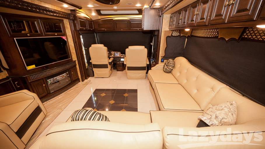 The 42QL floorplan of the 2015 Winnebago Grand Tour is packed with impressive amenities.