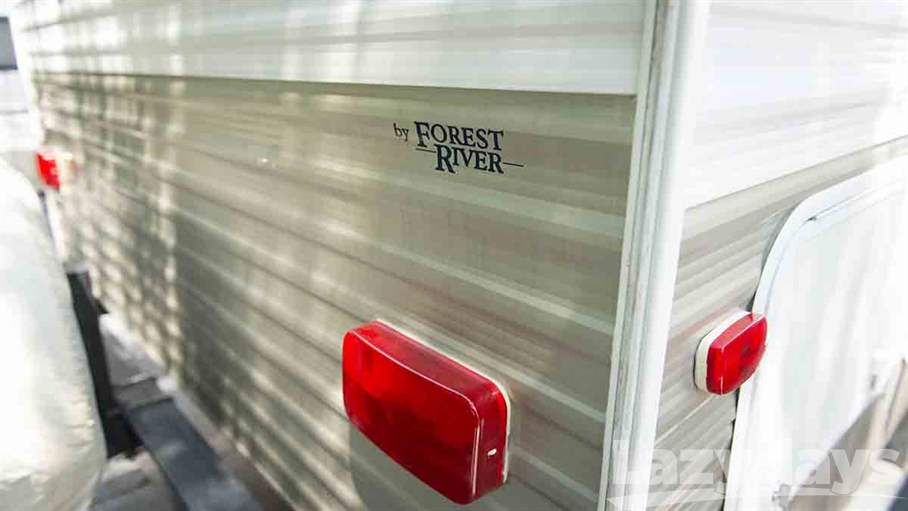 2010 Forest River V-Cross 26VFBS