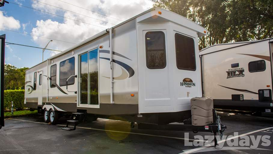 2014 Crossroads RV Hampton