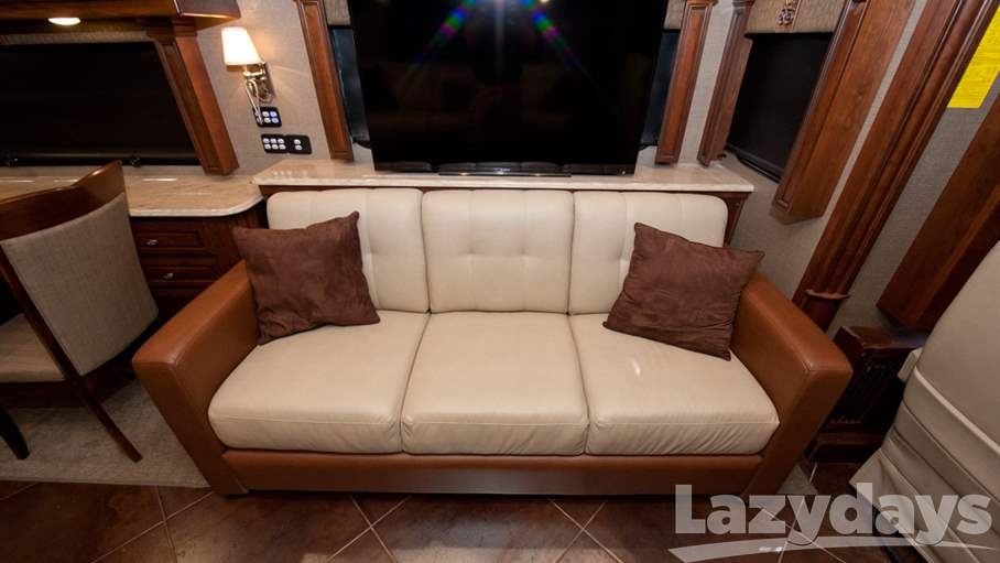 2016 American Coach American Tradition 45A