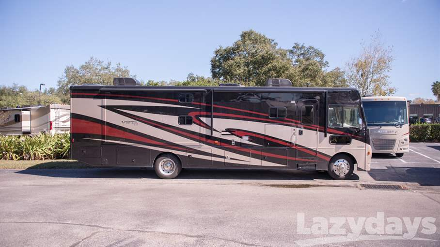 Awesome MI  126334 Enjoy Traveling The Countryside In This Winnebago Vista Class A Gas Motor Home Which Features A Large
