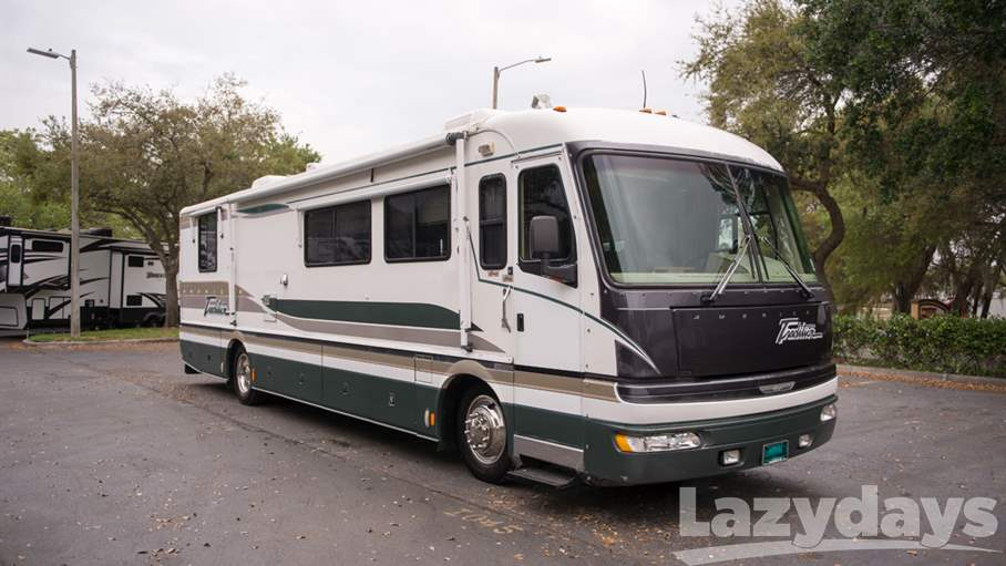 1997 American Coach American Tradition 38
