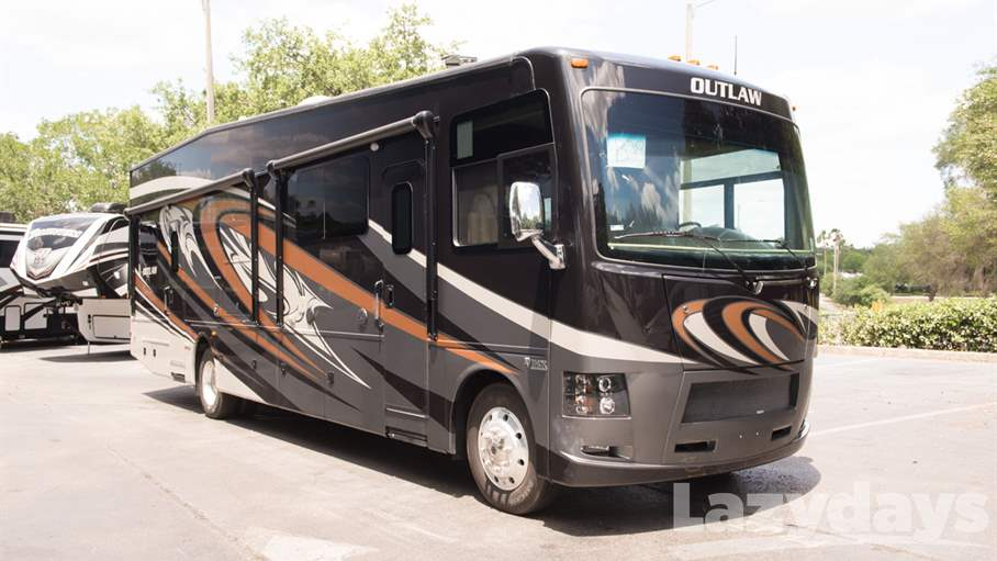 2017 Thor Motor Coach Outlaw