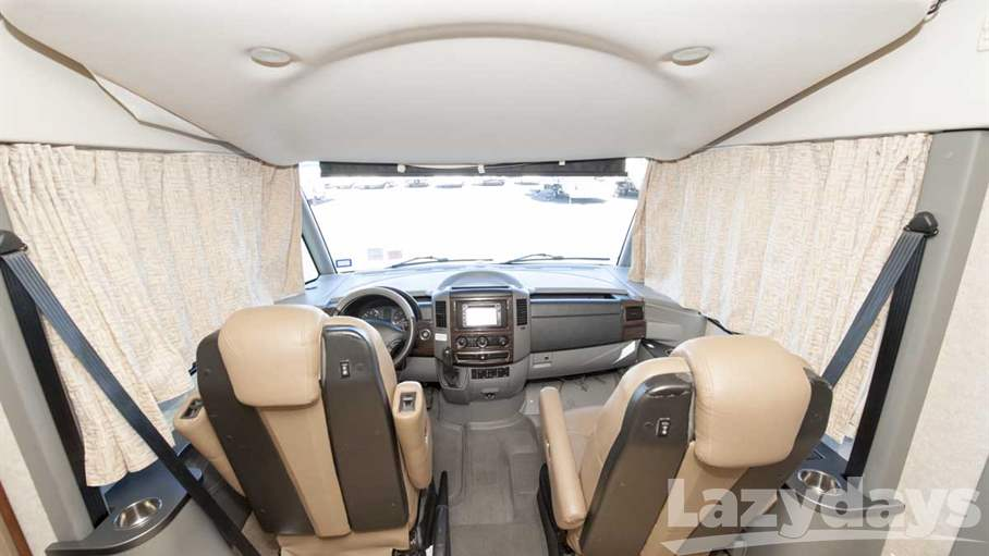 2010 Winnebago Via 25T