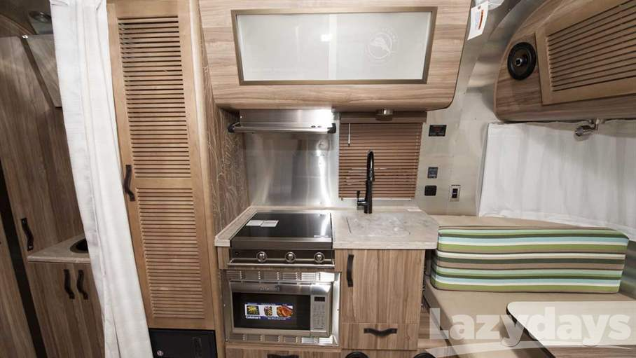 New 2018 Airstream Tommy Bahama 19CB For Sale In Tucson AZ | Lazydays