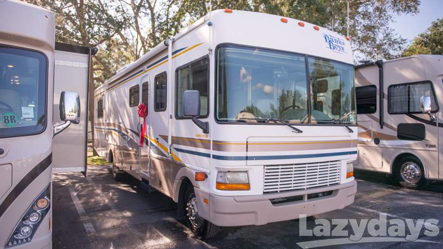 2002 Fleetwood RV Bounder