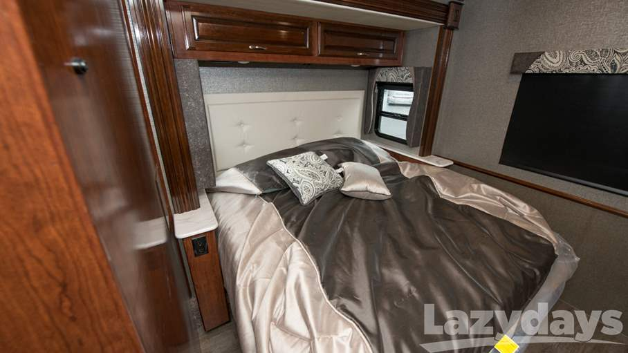 2018 Fleetwood RV Bounder 33C