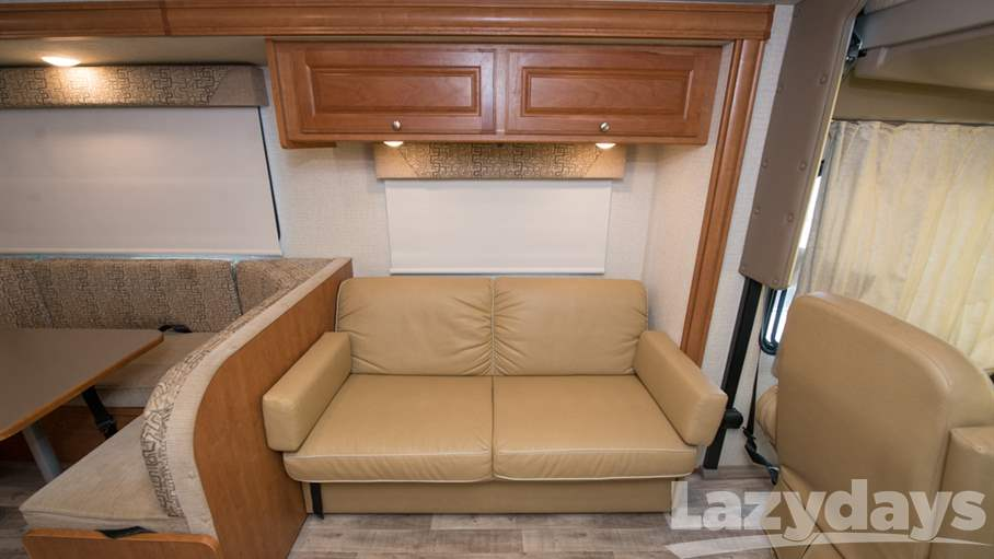 2017 Winnebago Vista 31KE