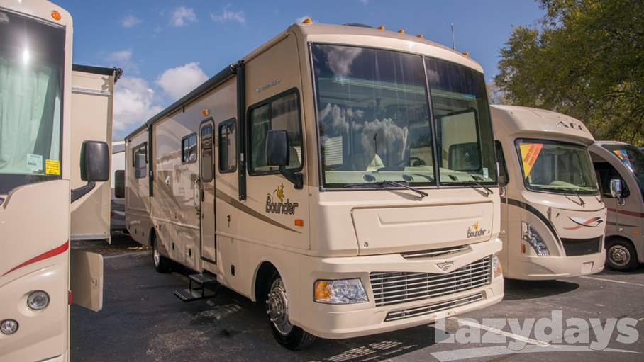 2008 Fleetwood RV Bounder Classic