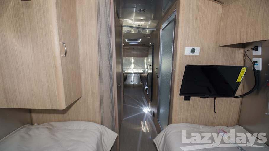 2018 Airstream Flying Cloud 25FB Twin