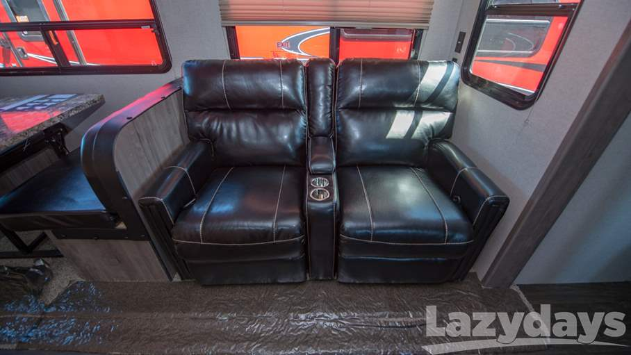 2018 Winnebago Minnie Plus 27RBDS