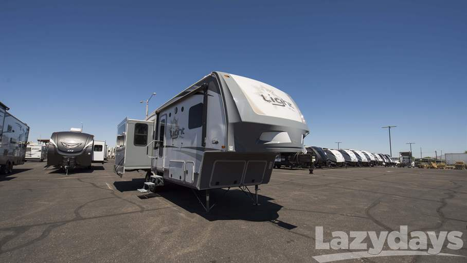 2017 Highland Ridge RV Light