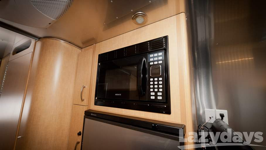 2013 Airstream Flying Cloud 25BWB