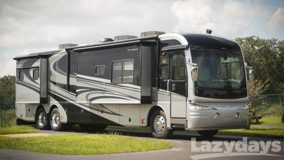 2007 Fleetwood RV Revolution 40E