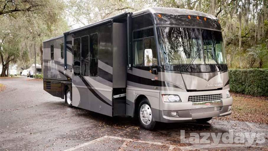 2007 Winnebago Adventurer 38J