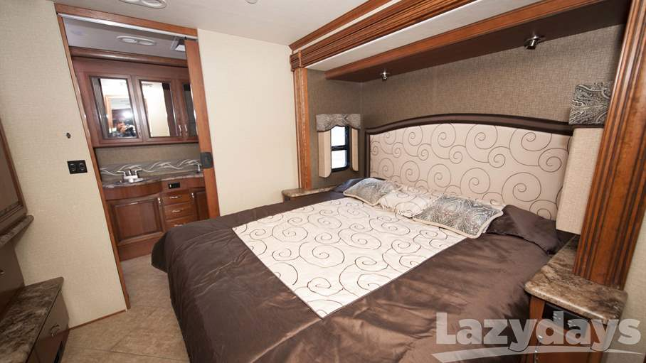2015 Holiday Rambler Vacationer 36DBT