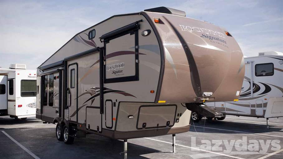 2015 Forest River Rockwood Ultra-Lite 8289WS
