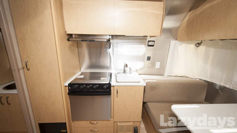2014 Airstream Flying Cloud 19CNB