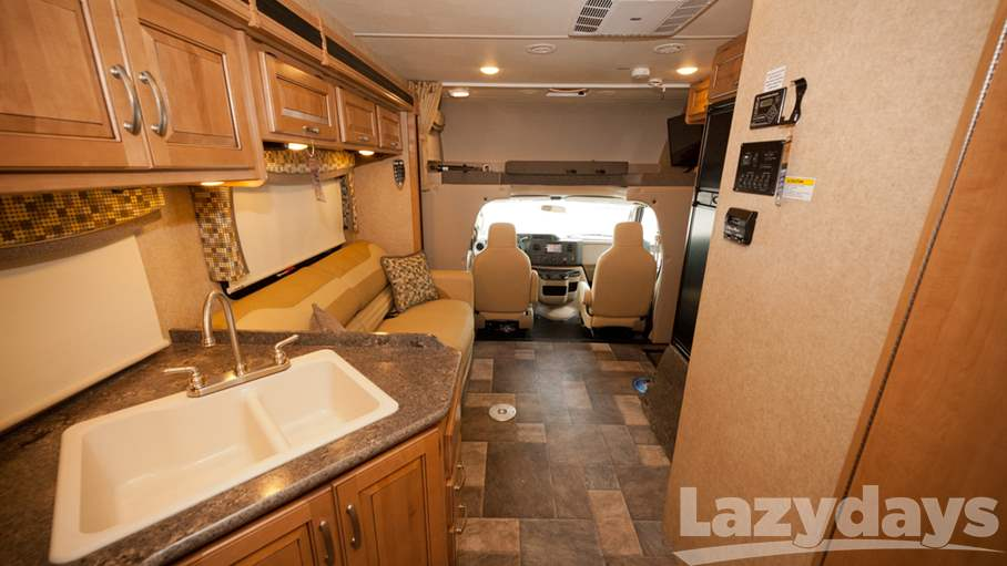 2016 Thor Motor Coach Outlaw C 29H