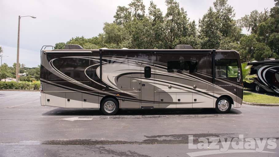 Unique 2015 Thor Motor Coach Challenger 35HT For Sale In Tampa
