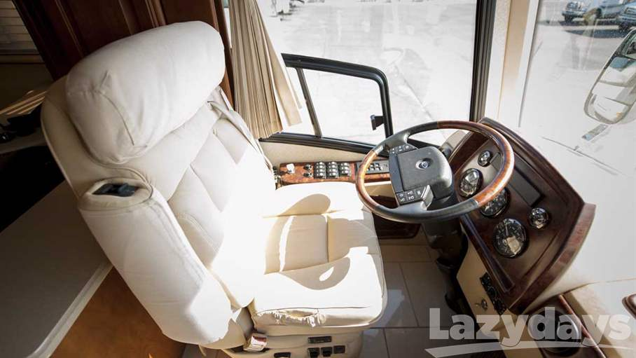 2006 Country Coach Magna 45REMBRANDT