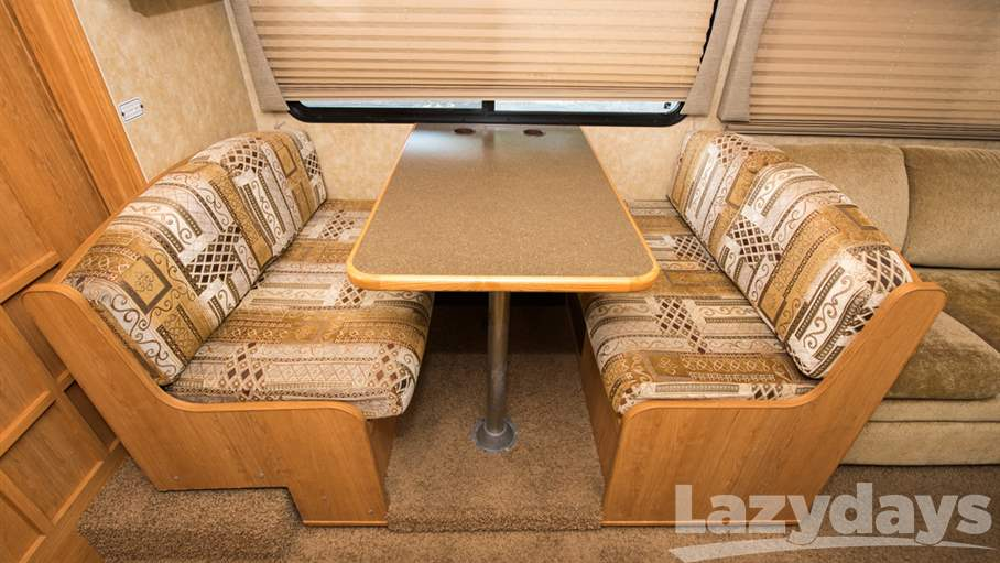 2009 Coachmen Freedom Express 31SS
