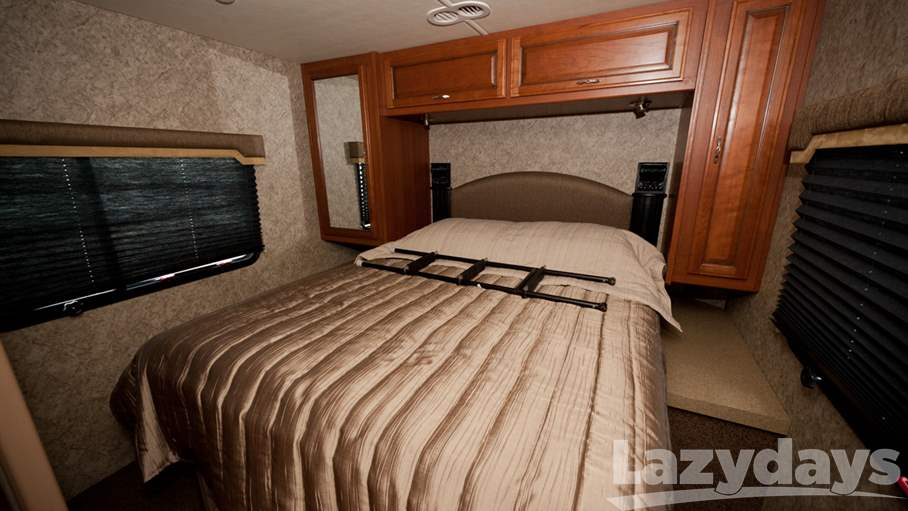 2016 Fleetwood RV Storm 28MS