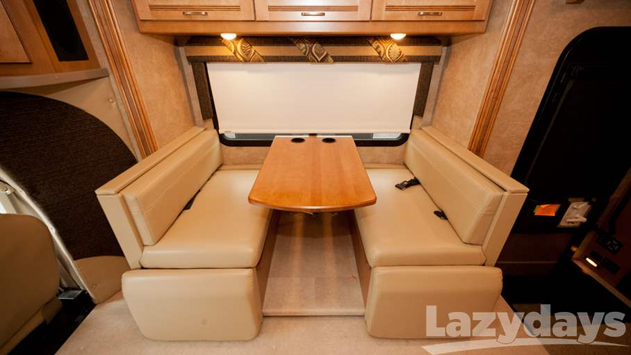 2016 Winnebago Aspect 30J