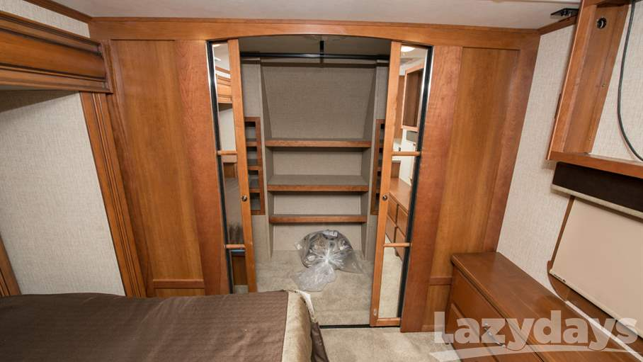2016 Redwood RV Sequoia 38GKS