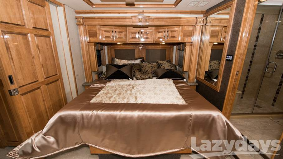 2016 American Coach American Dream 45A