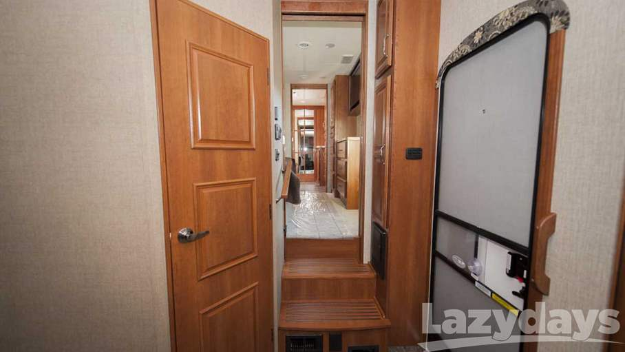 2016 Redwood RV Sequoia 38MBS