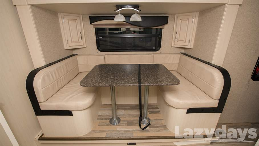 2016 Winnebago Minnie 2201DS