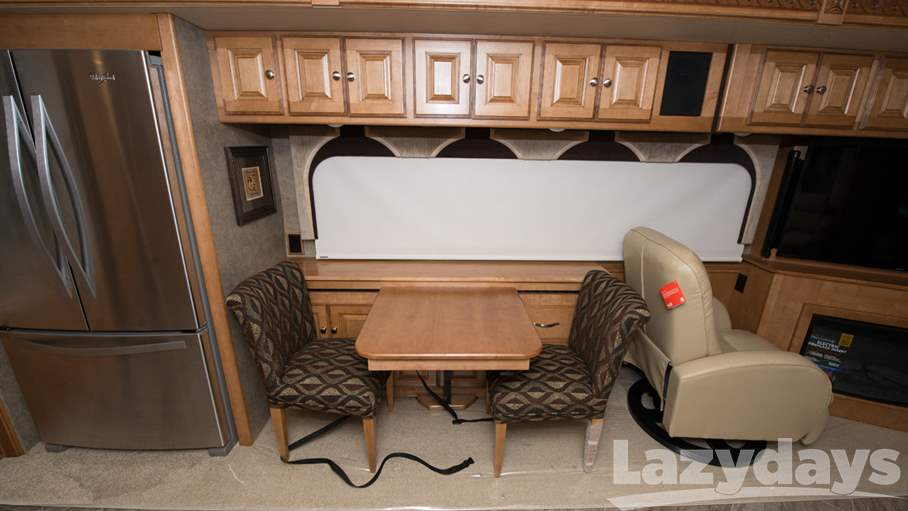 2016 Winnebago Adventurer 38Q