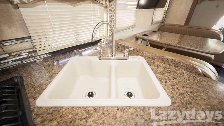 2016 Thor Motor Coach Four Winds 28Z