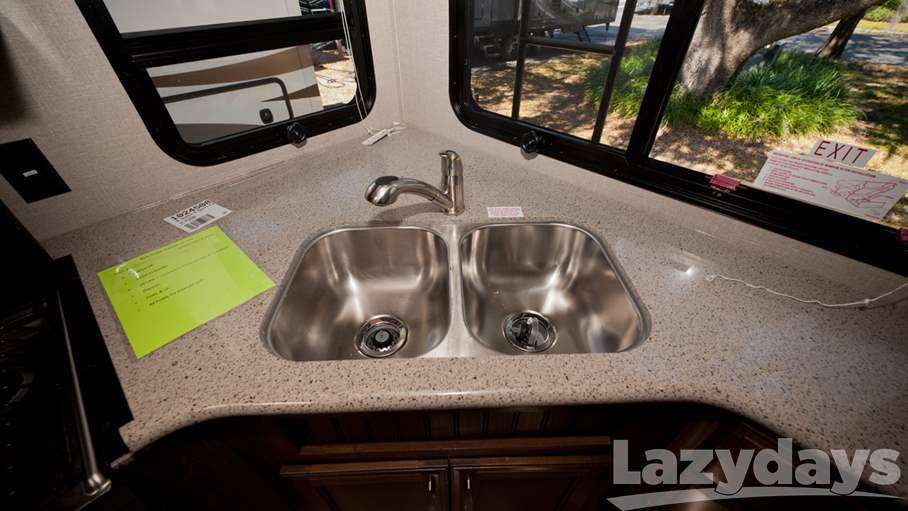 2016 Keystone RV Montana High Country 293RK
