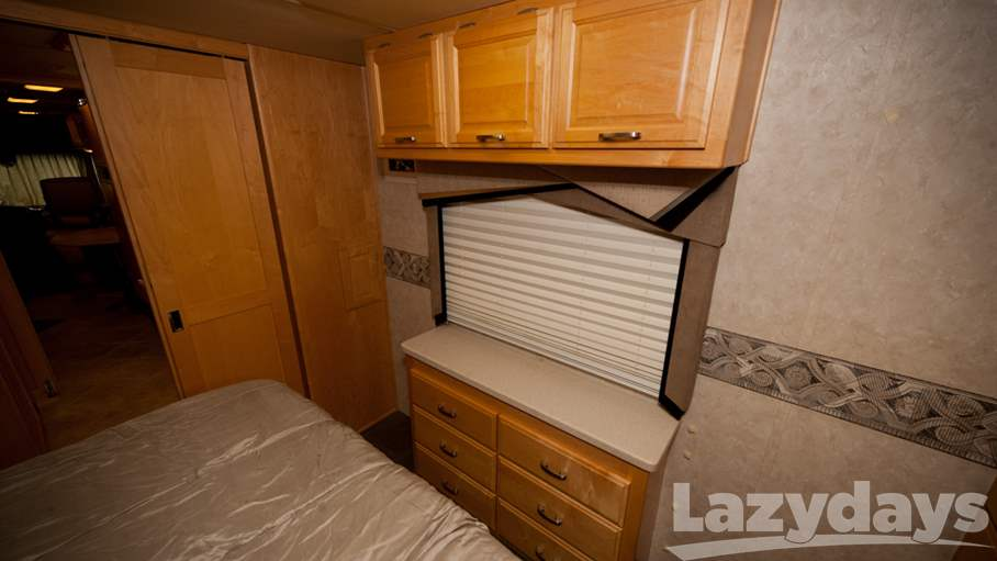 2004 Fleetwood RV Revolution 40C