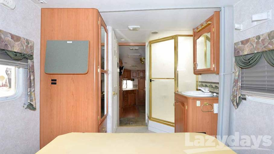 2002 Fleetwood RV Triumph 28