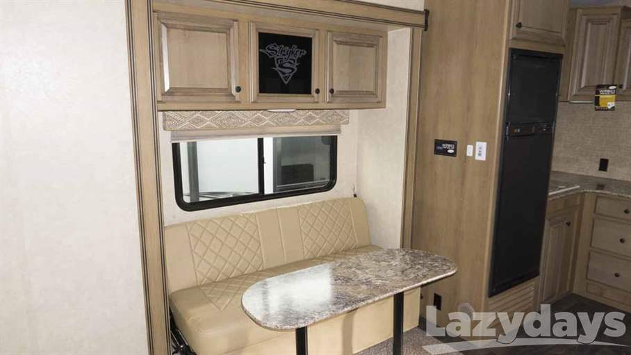 2016 Cruiser RV Stryker 3316