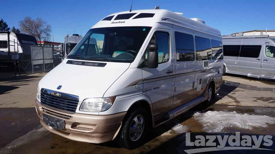 2006 Roadtrek Adventurous 22